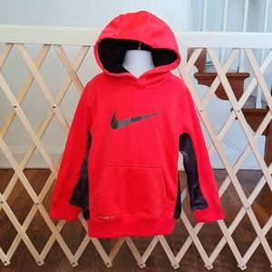 Boys size 6 Nike therma-fit hoodie